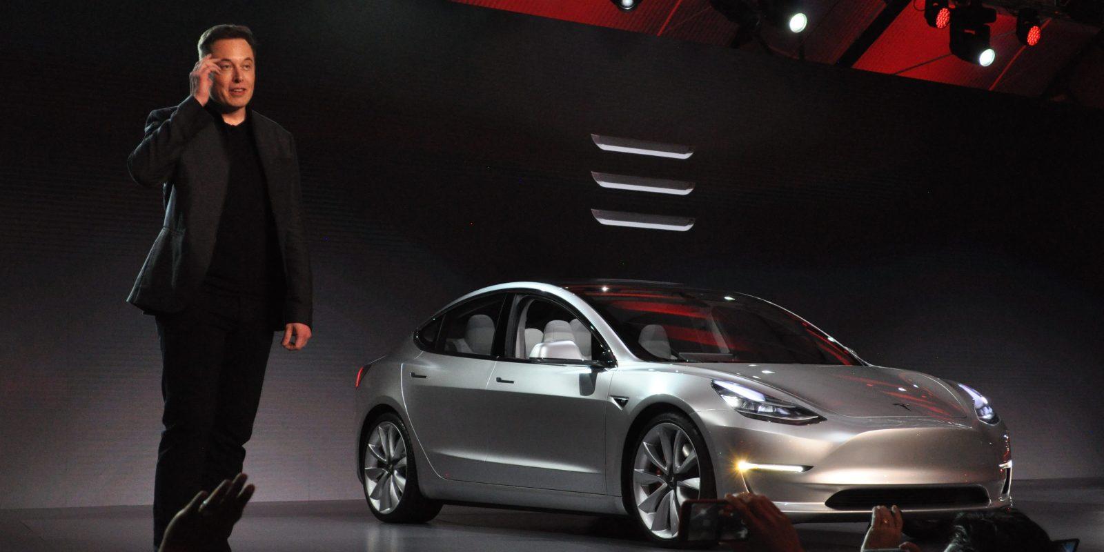 Tesla выпустил на рынок бюджетную модель электрокара