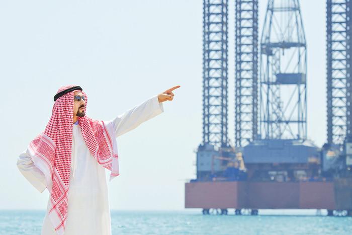 Саудовская Аравия инвестирует в нефтедобычу 300 млрд долларов